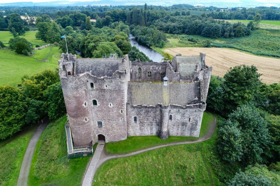 Doune (Leoch) Castle. Photo courtesy of Neil Robertson, Travels with a Kilt