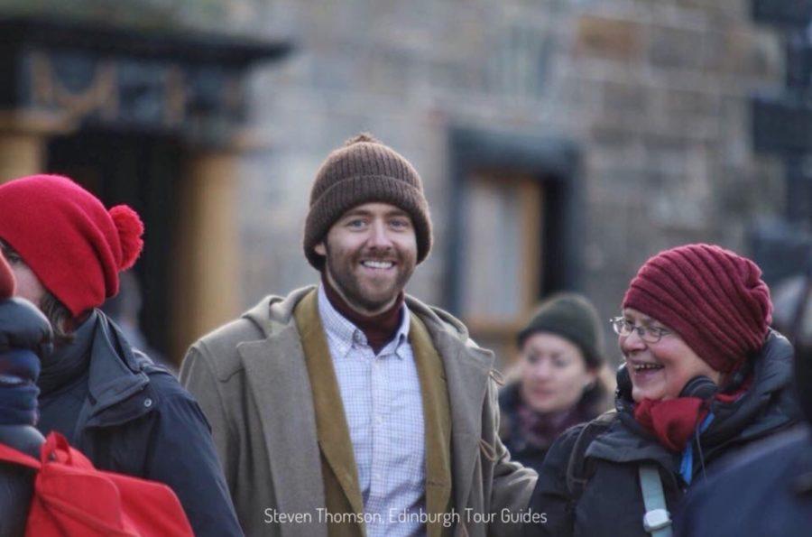 outlander season 4 behind-the-scenes photos, filming outlander, edinburgh tour guides, richard rankin, roger
