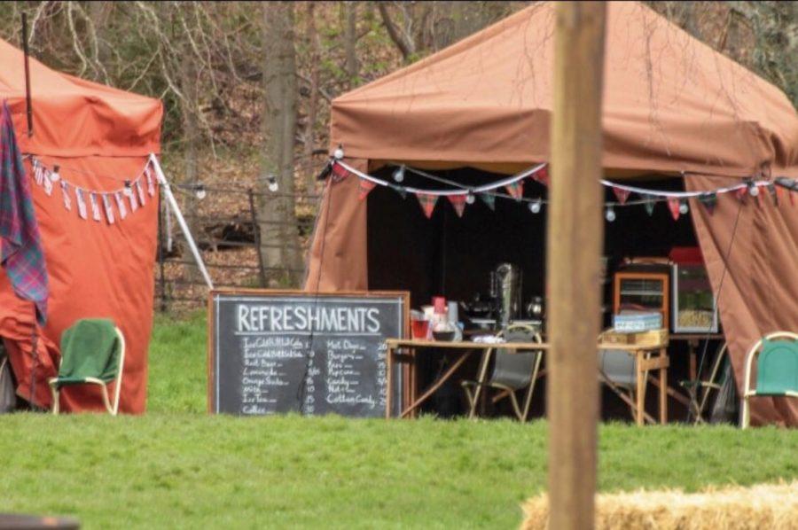 outlander season 4 behind-the-scenes filming, filming outlander, pollack park, scotland parks