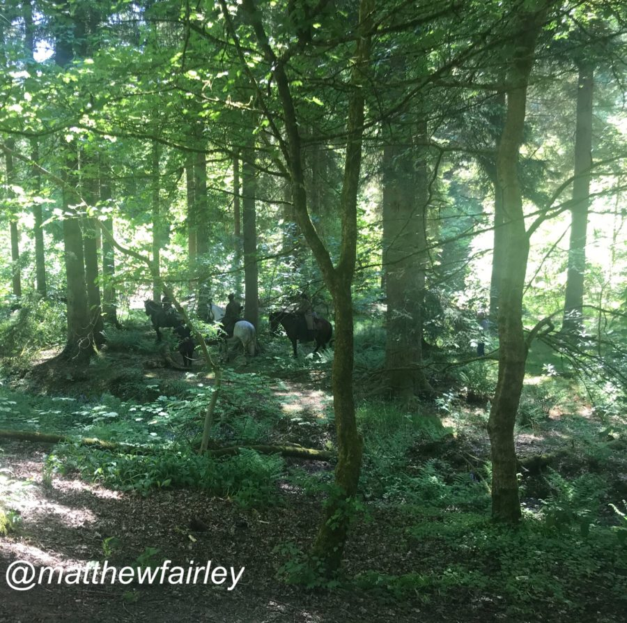 behind the scenes filming outlander season 4, outlander episode 412 providence, Claire Jamie and Ian in the woods looking for Roger