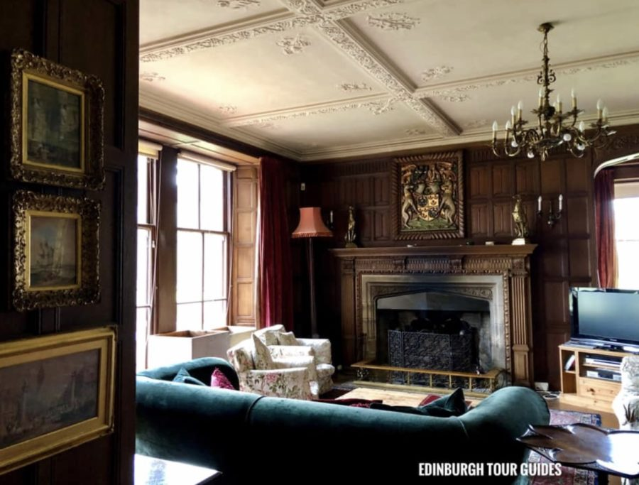 outlander updates, hunterston house in outlander, rev wakefield's house
