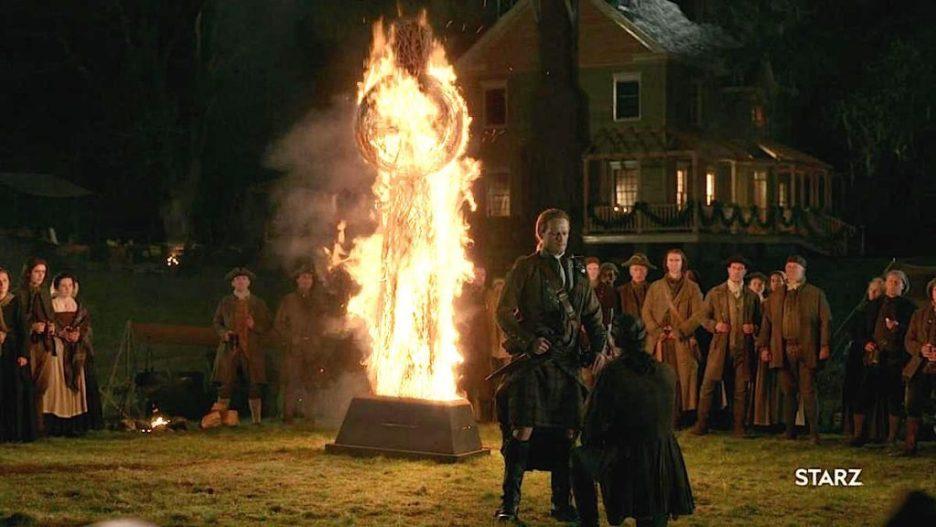 1j-Starz-Outlander-The-Ridge-fiery-cross-nighttime-big-house-oath ...