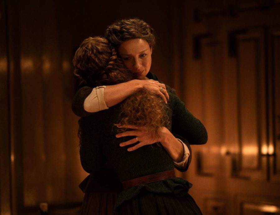 Claire and Bree hugging goodbye,outlander season 5